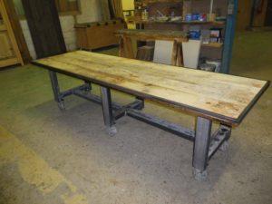 Table vieux pin - pieds métal industriel Image