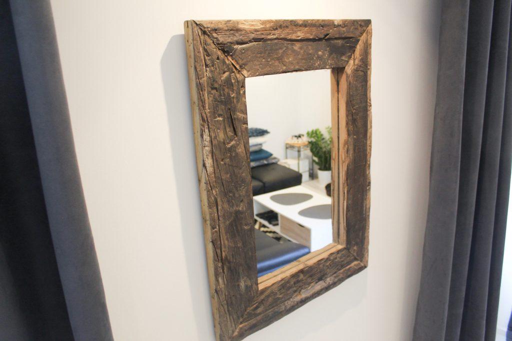 Miroir vieux bois Image
