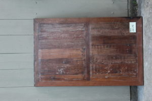 table salon en vieux teck 137 x 86 cm Image