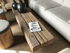 Table basse vieilles poutres Image